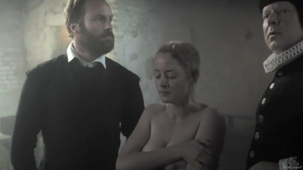 Die Seelen im Feuer (2014) Silke Bodenbender, Christina Simhandl, Franziska Singer Lesbian foot fetish Luminous worships Violet's feet