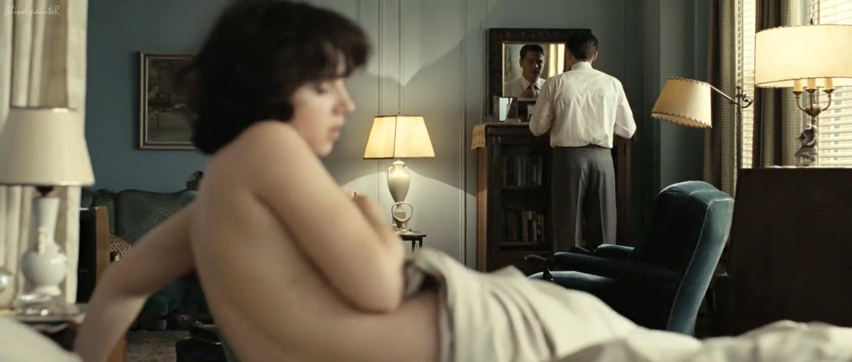 Nude Photo Galleries Looking In Windows