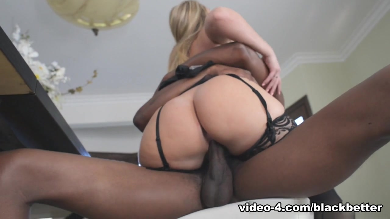Sexy blonde big tits and ass Naked 18+ Gallery