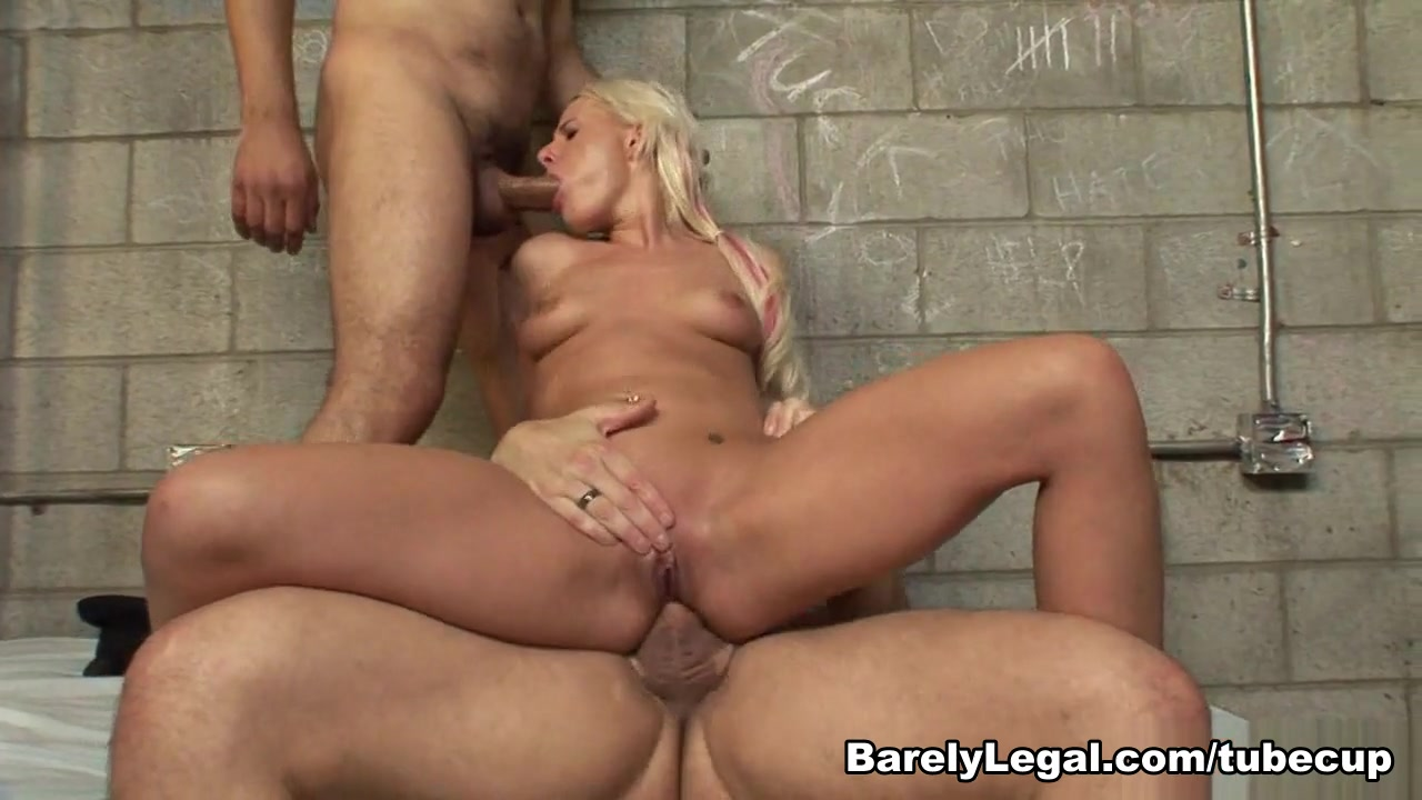 Naked Porn tube Niece gives uncle blowjob