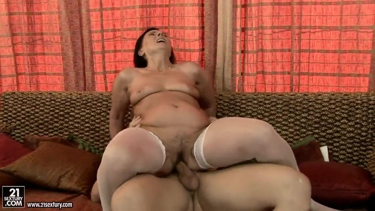 Sexy Galleries Mature woman tit fucking twice