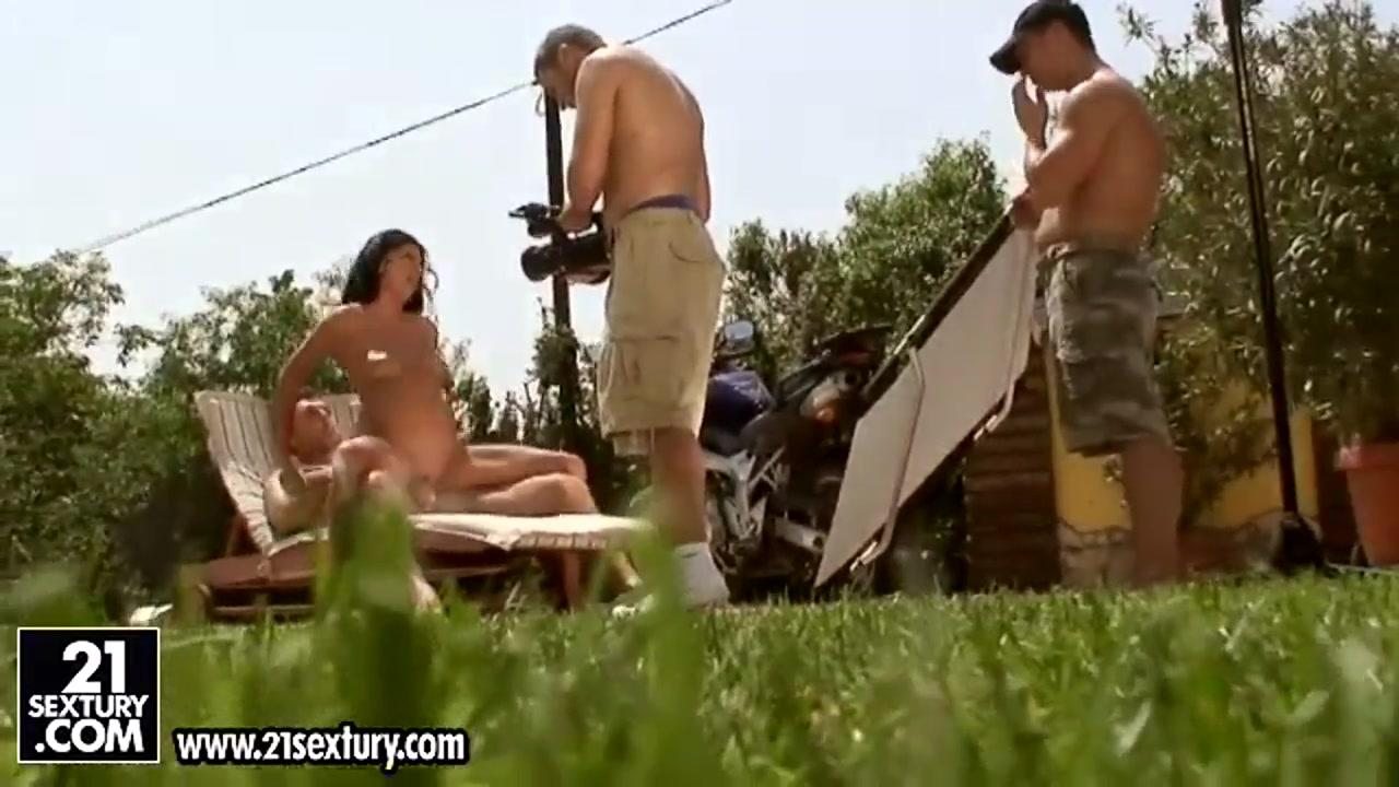 XXX Video Huge creampie porn pics
