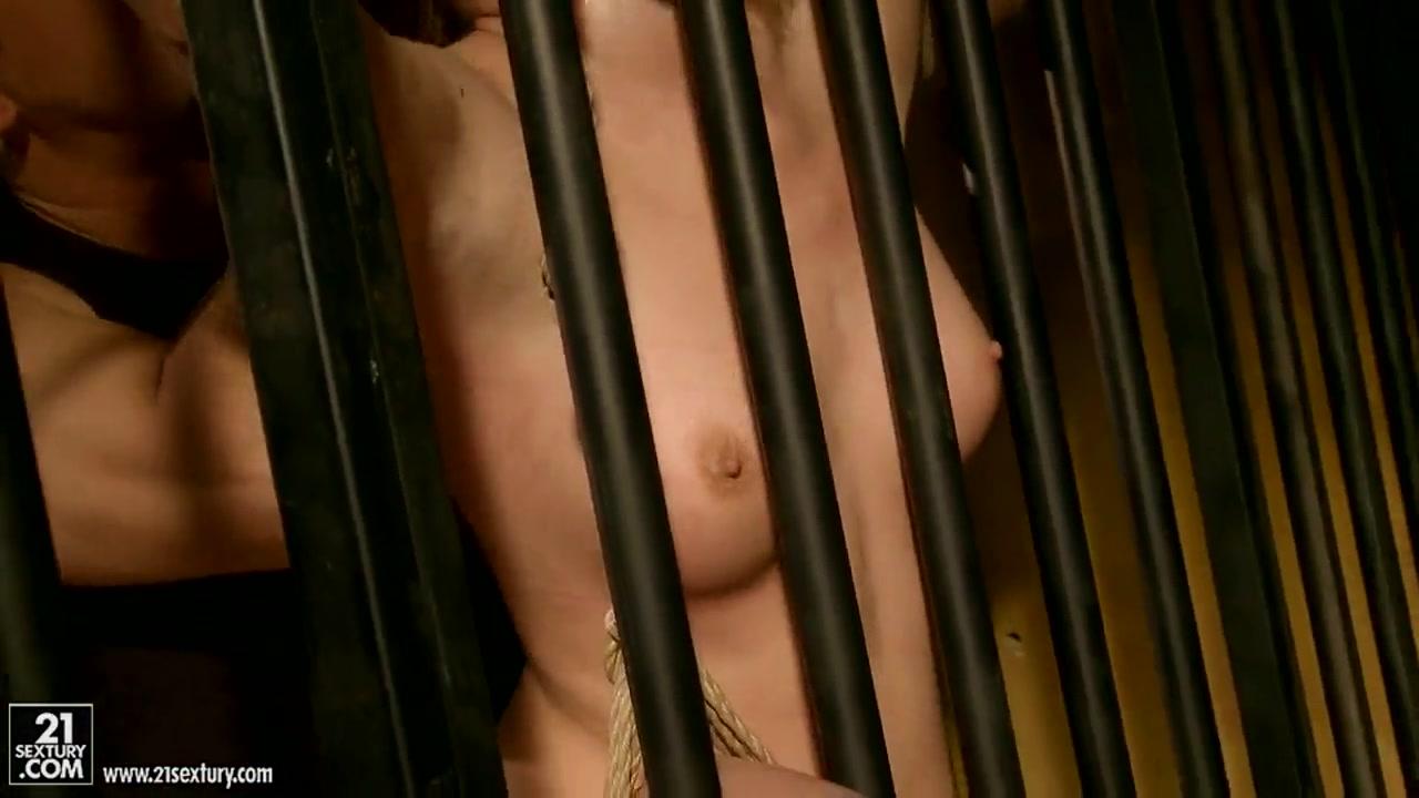 XXX Porn tube English lesbian threesome