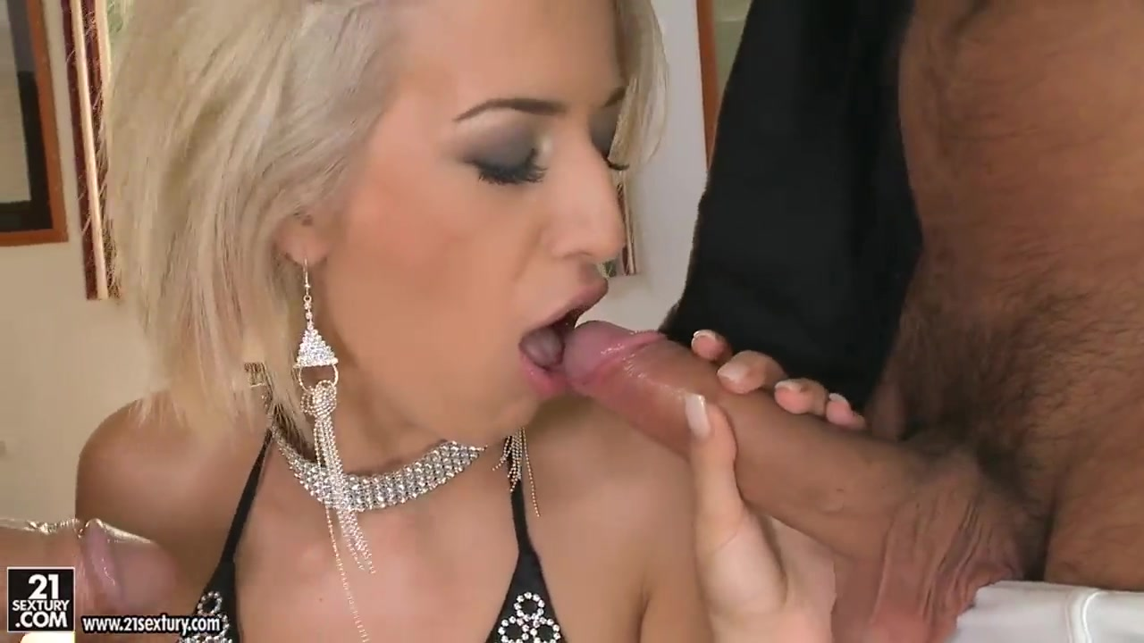 Bottom girls porn apple