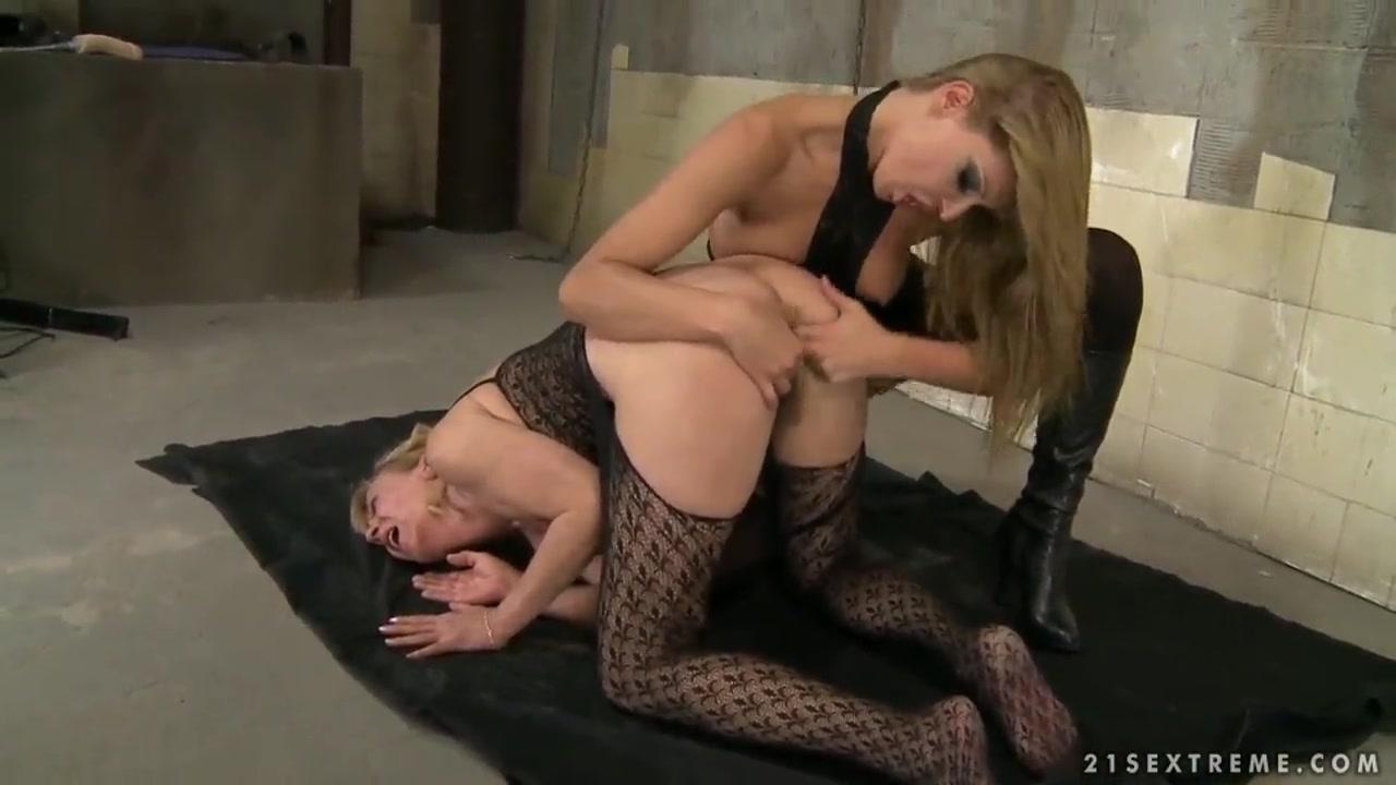 Blonde sexy strip hot