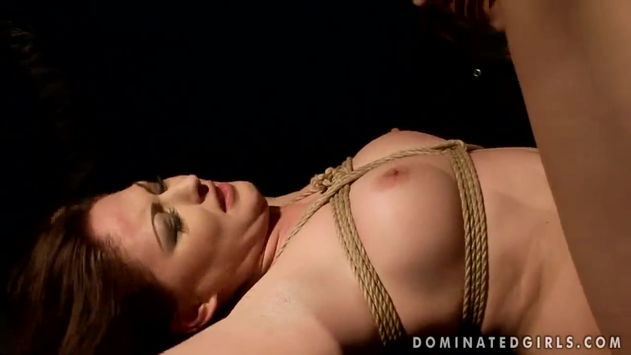 Crazy BDSM scene with remarkable, but scared babe Safira White Naked mileena mortal kombat