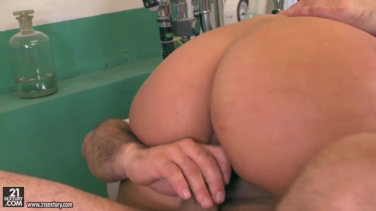 Deepthroat puke whore Hot xXx Pics