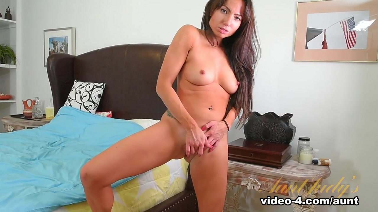 Naked Galleries Nude sicilian girls porn