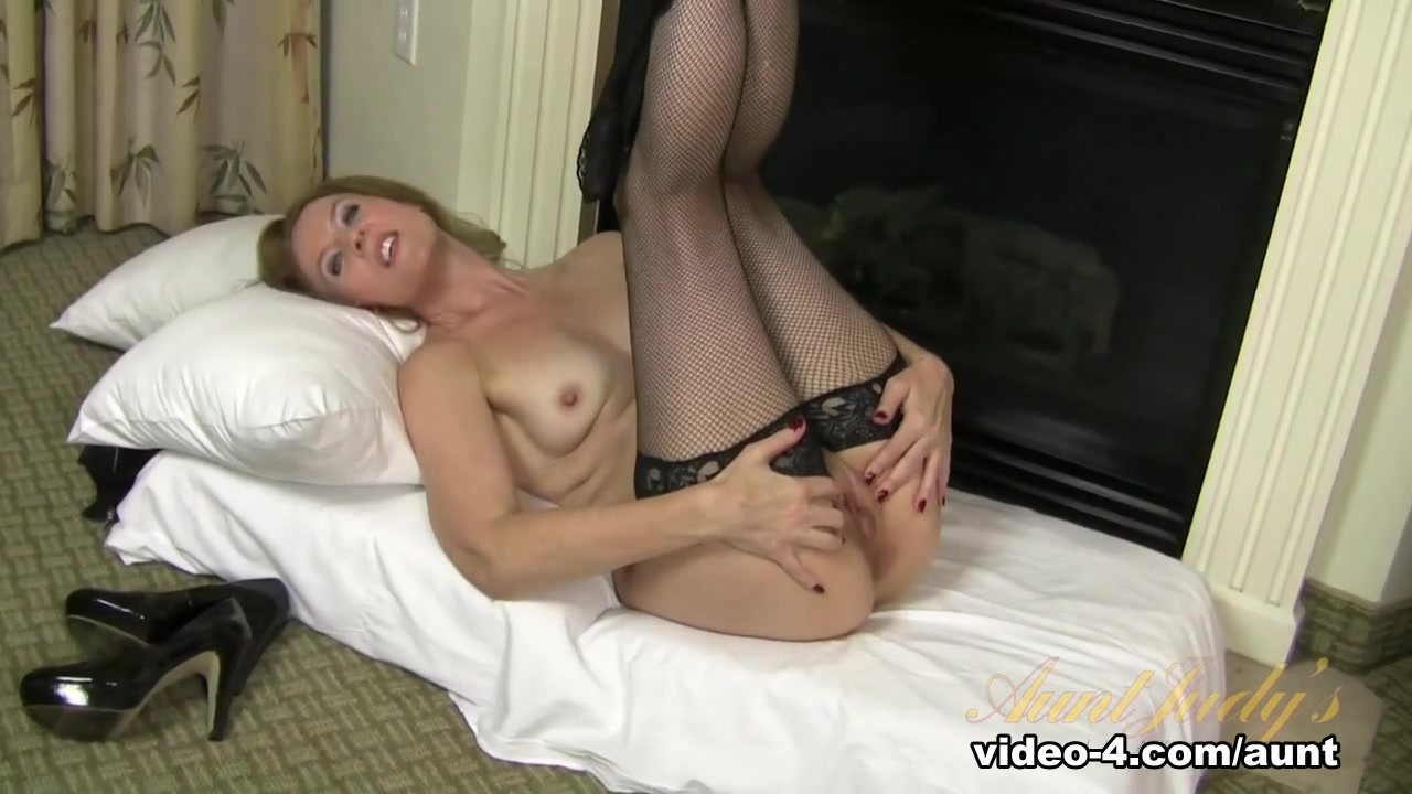 Best porno Babe milf girls in colors pantyhose