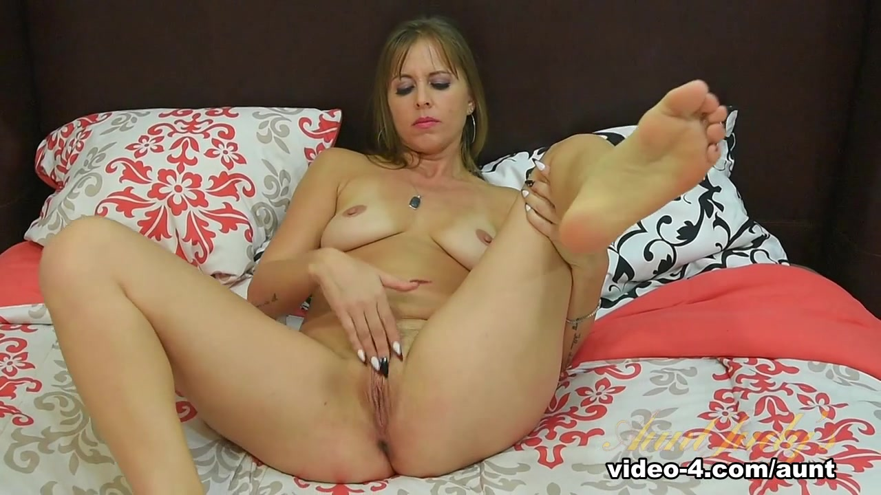 Sexy xxx video Horny boy sex mom and son porn
