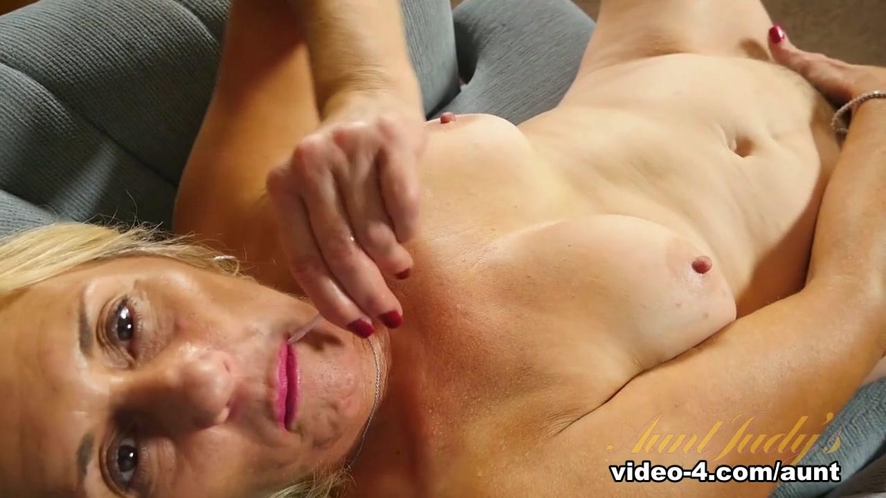 Porn Pics & Movies Video Luna Vs Aril Xxx