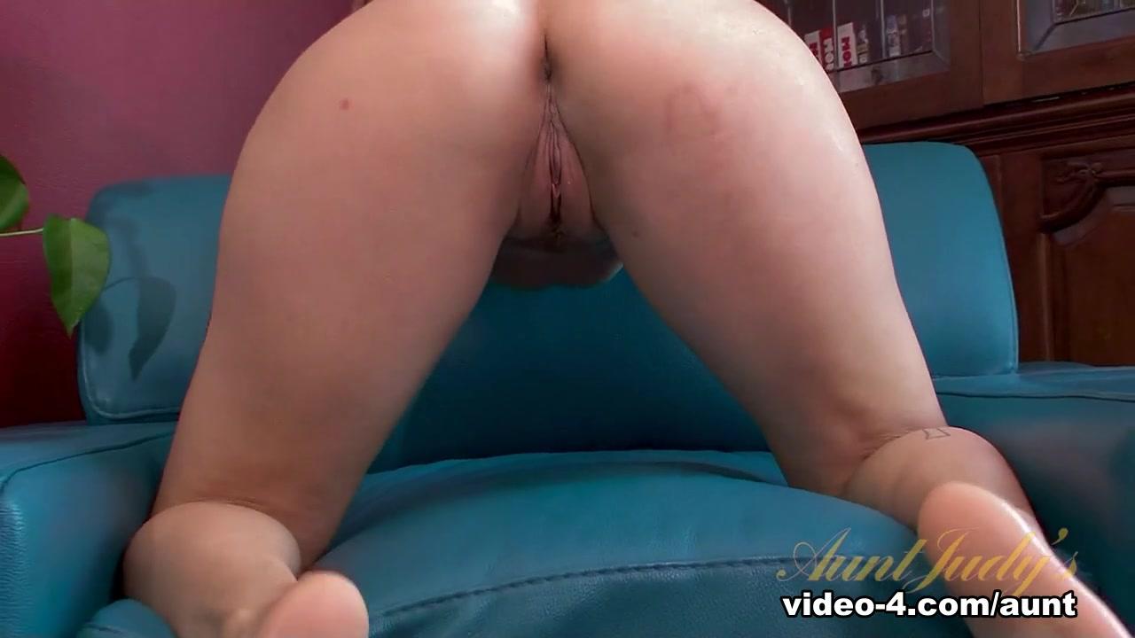 Sex photo White milf big bum