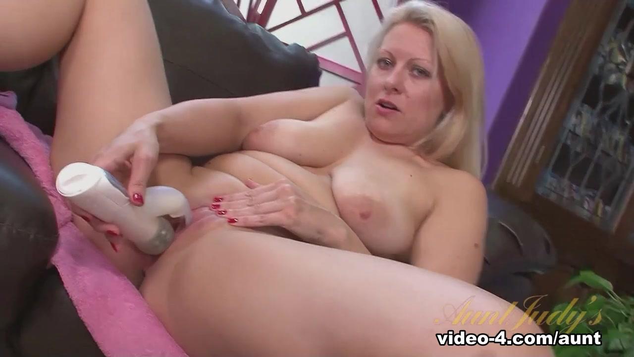 Porn Base Busty asian blowjob
