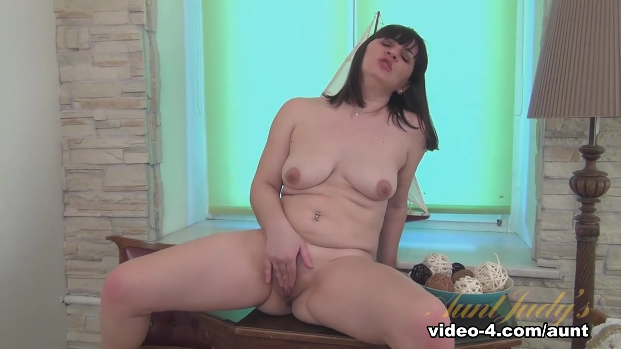 StepSiblings Busty babes sucking tits licking pussies Pron Pictures