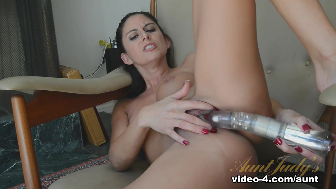 Homemade handjob facial clothed Naked xXx