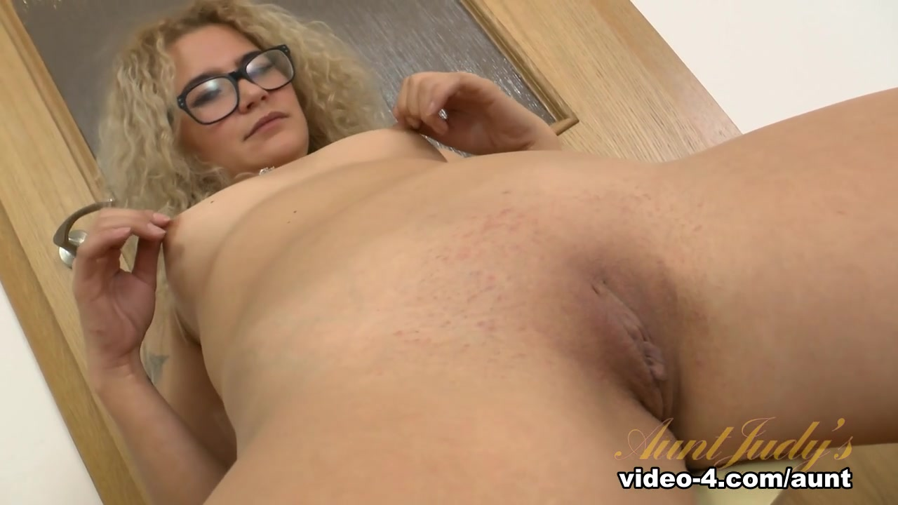 Naked Galleries Fat old mum saggy tits fuck