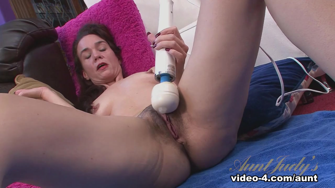Sexy Galleries Licking And Fucking Wet Pussy