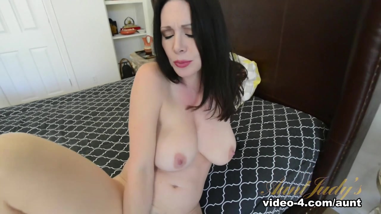 xXx Videos Pics of thing one and thing two