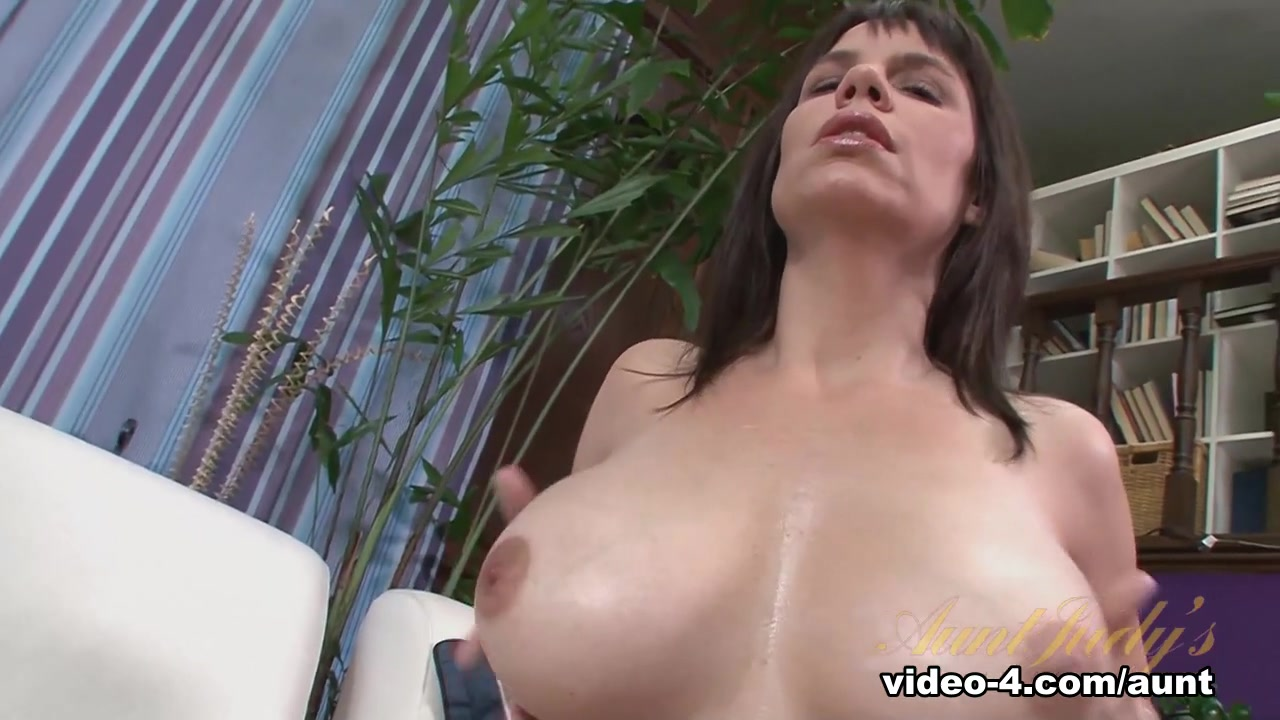 Naked Porn tube Cosmetic surgeon breast augmentation