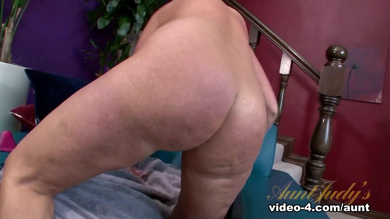 xXx Galleries Mature wives porn pics
