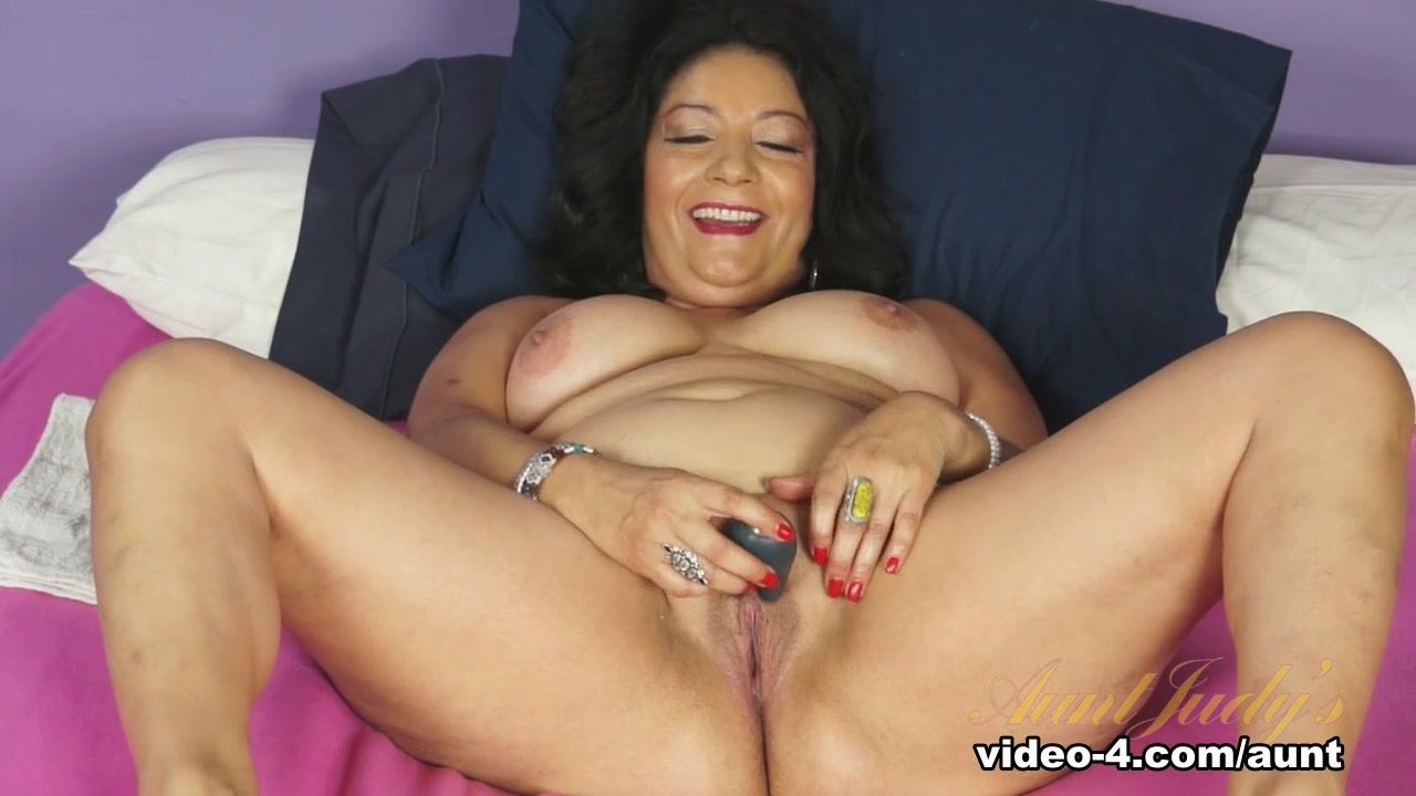 Nude Photo Galleries Mocha kimberly masturbating