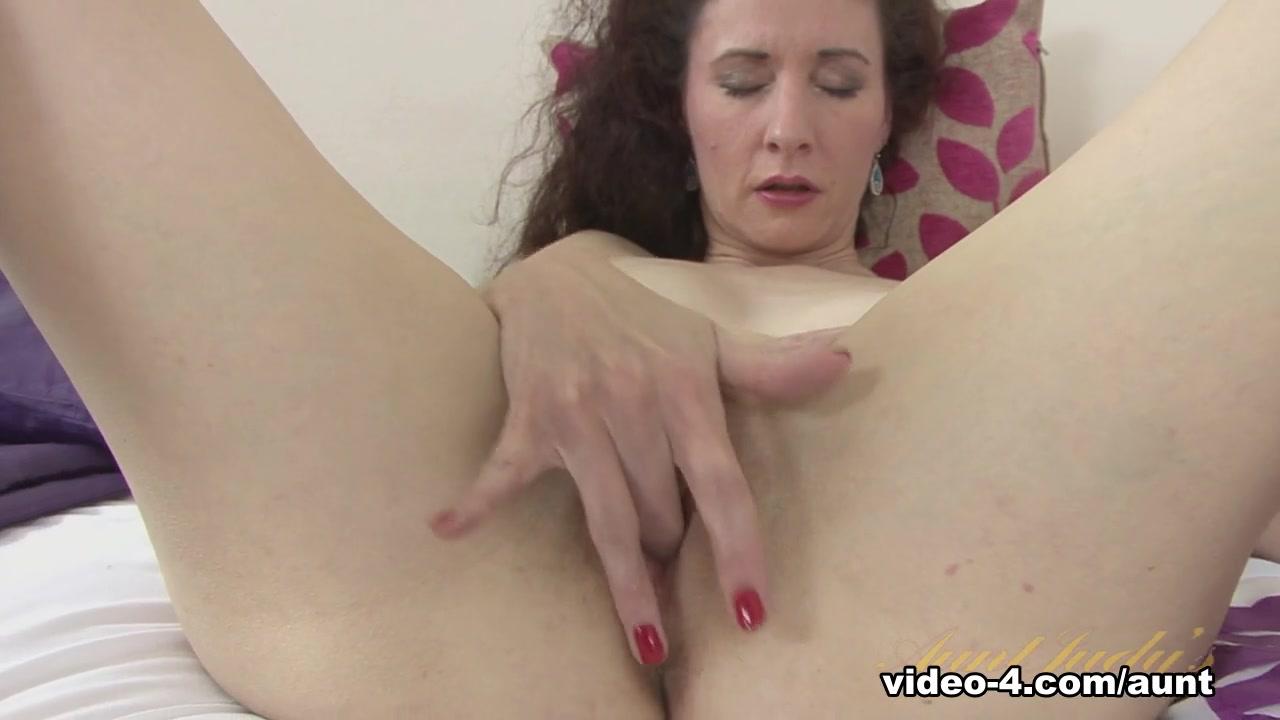 New porn Lesbian masterbation pics