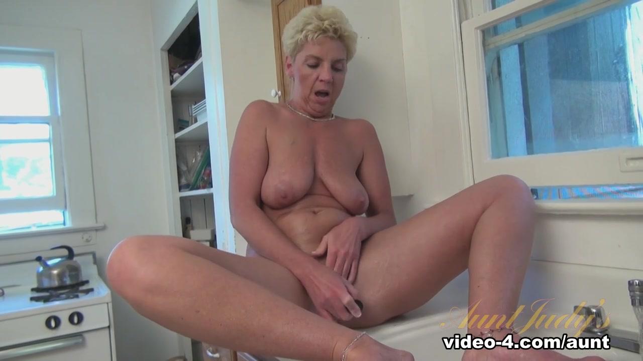 Sexy Galleries Milf cum in pussy
