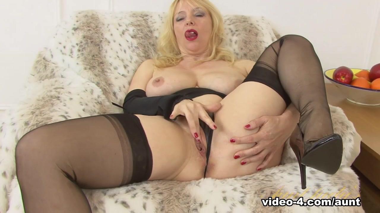 Mature couples undressing Good Video 18+