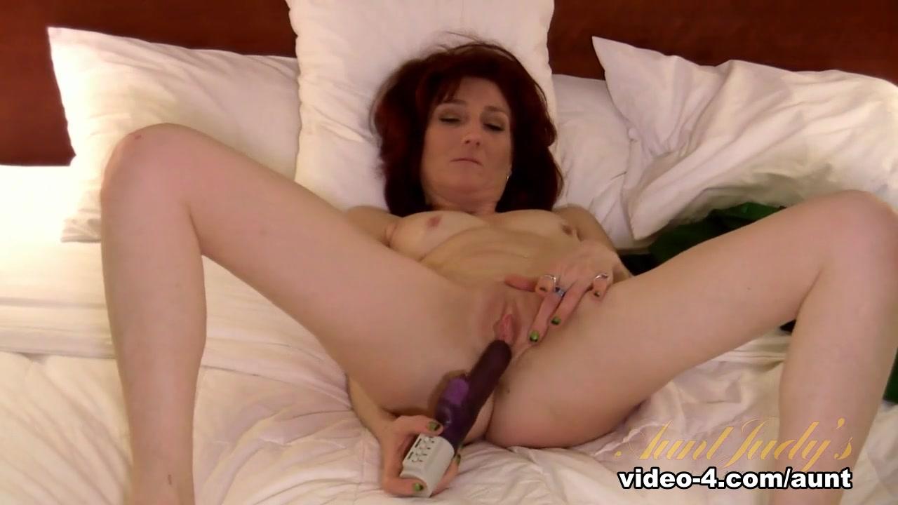 XXX pics Original femdom threesomes with bbw dominatrixes