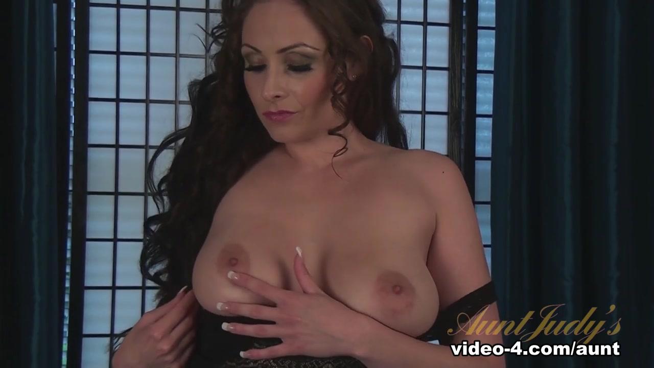 Naked xXx Base pics Shemale on females video tube