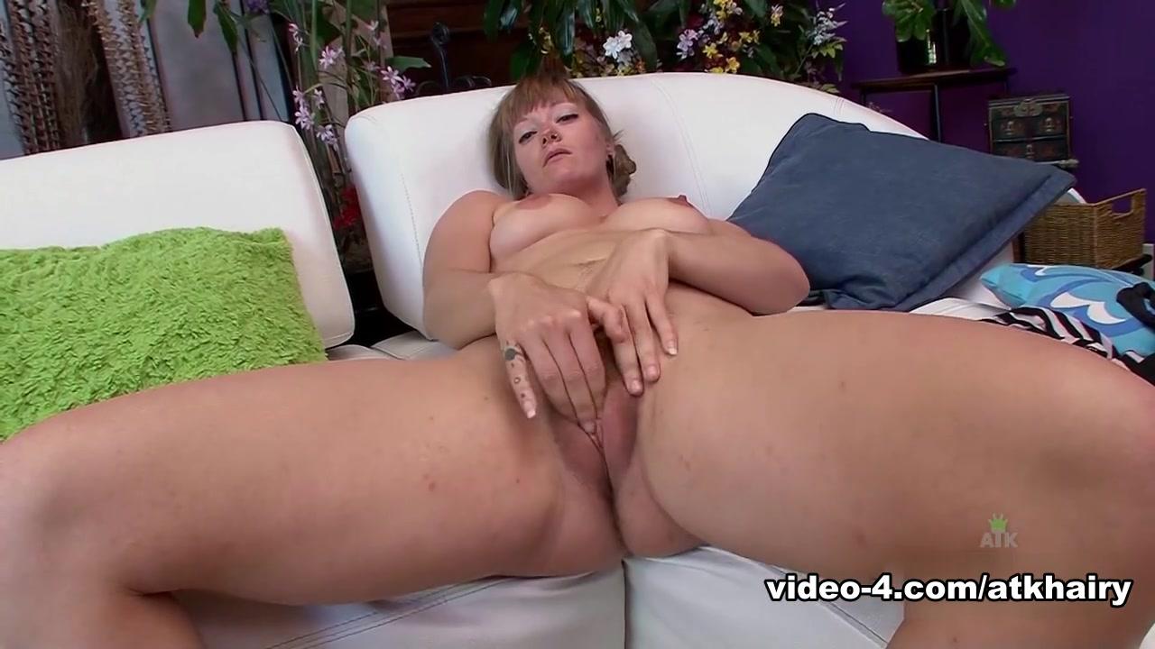 XXX Photo Skinny big ass girl