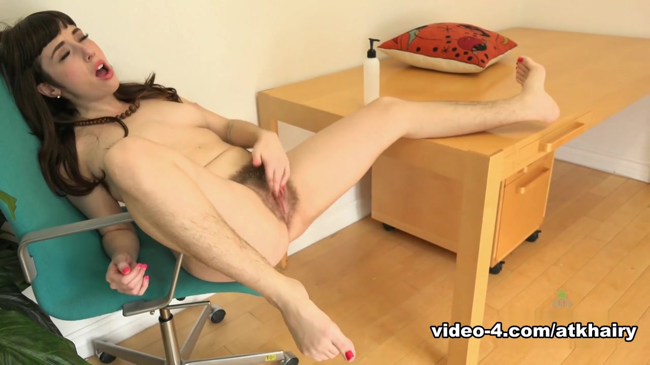 Fitting an Entire Cock in her Mouth Hot porno