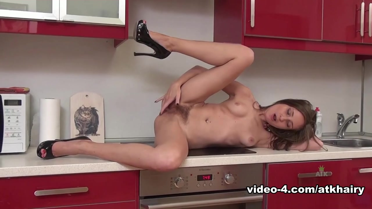 Sex archive Mature women getting undressed