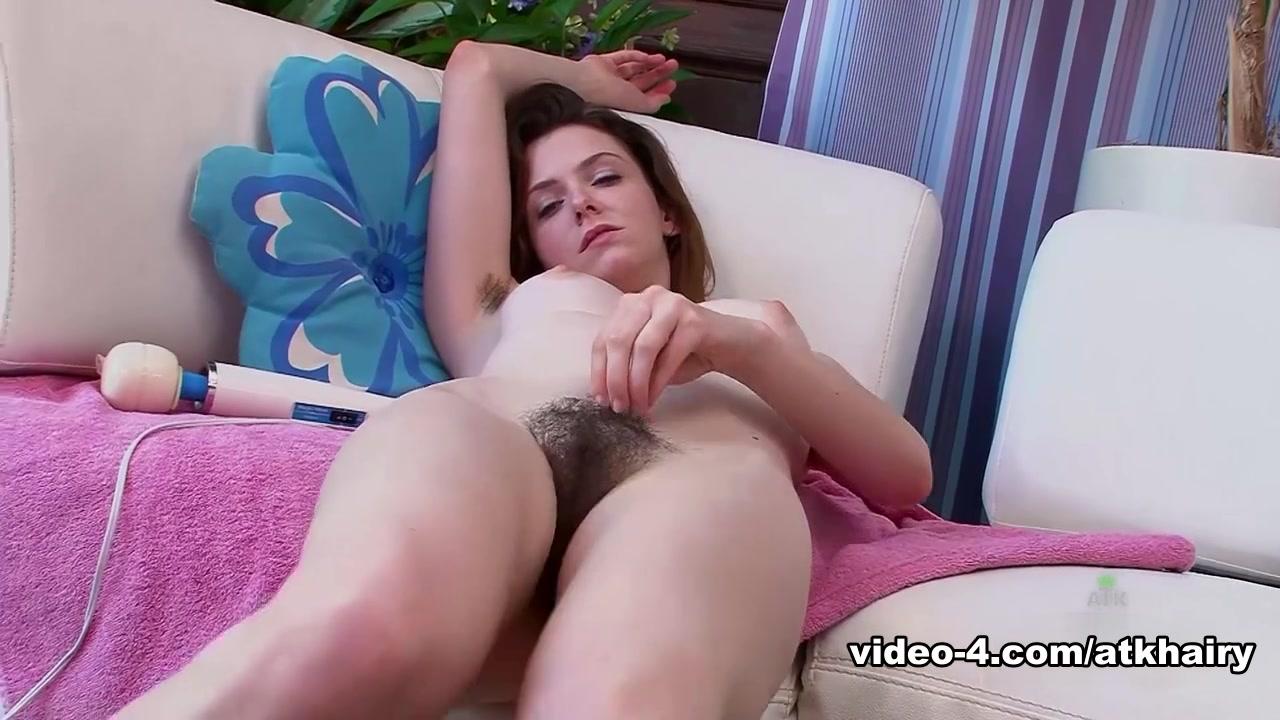 Hot Nude Good girl dating a thug