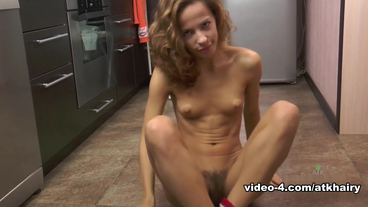 Teen and cougar busty lesbos fuck hardcore Sexy xxx video