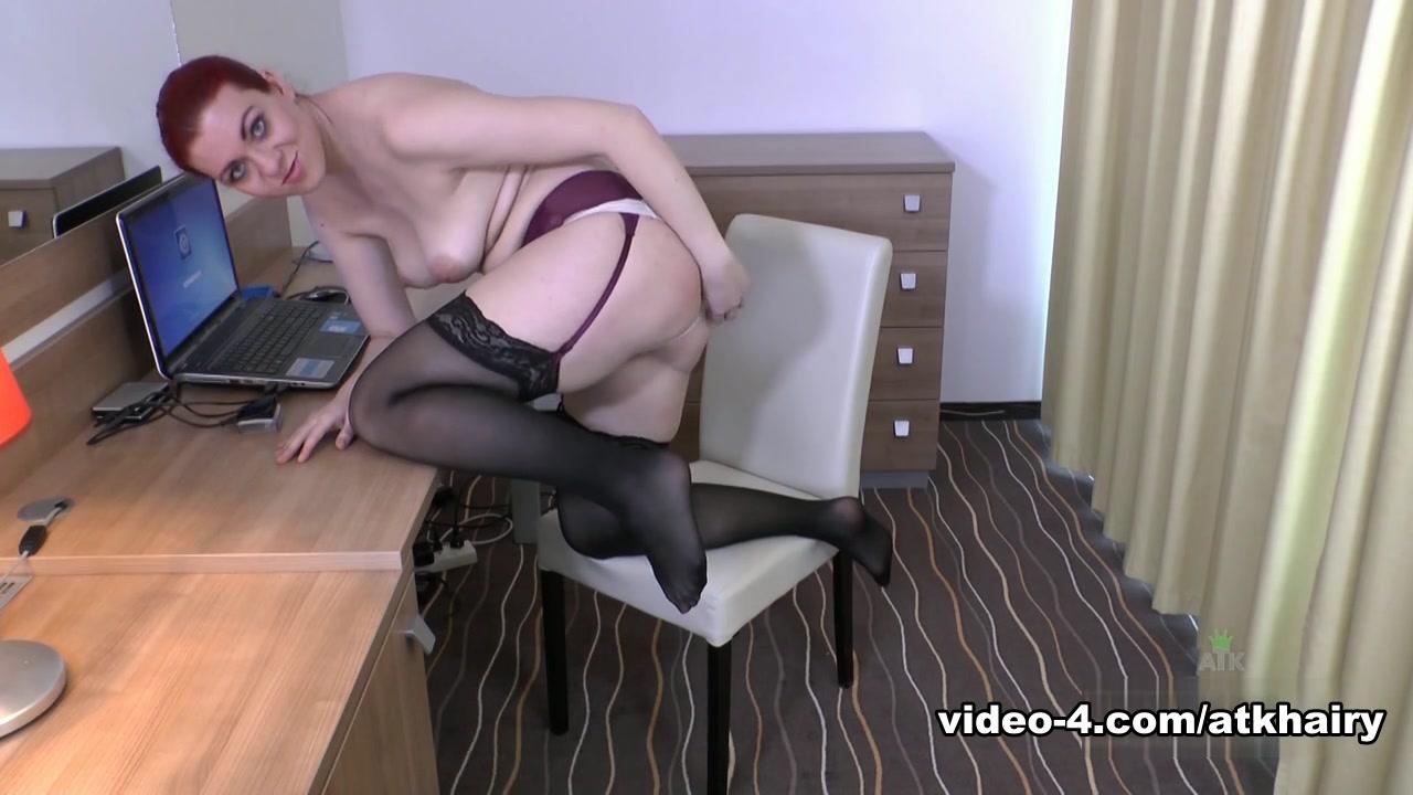 Porn tube Purple haired lez kisses
