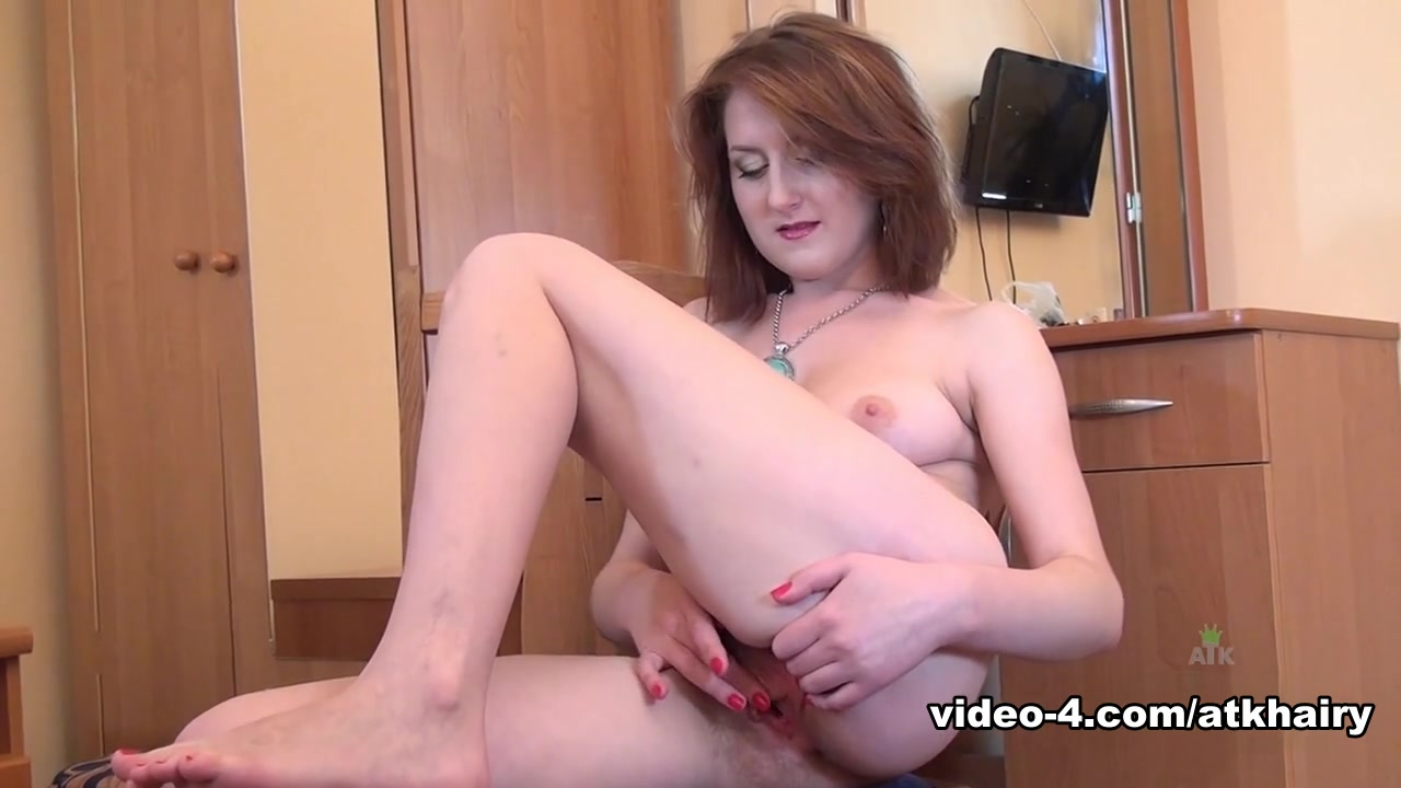 Sexy Galleries Busty lesbians licking