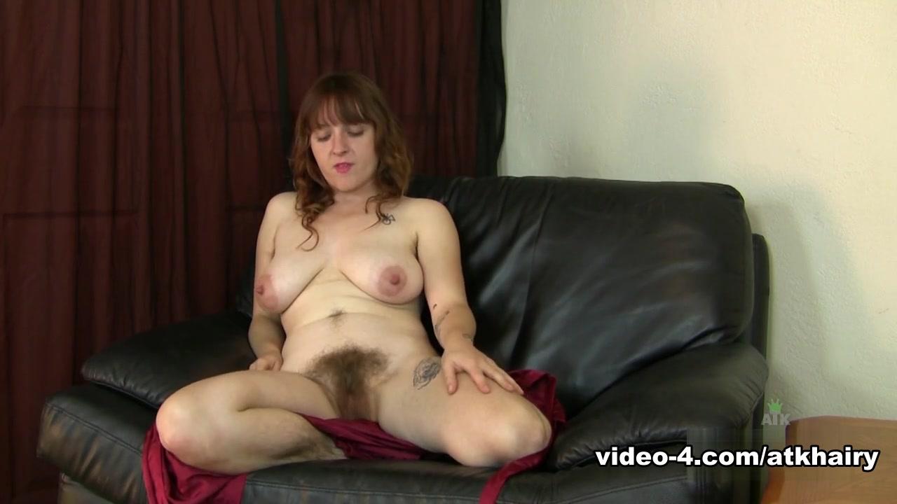 cute brunette blowjob Nude gallery