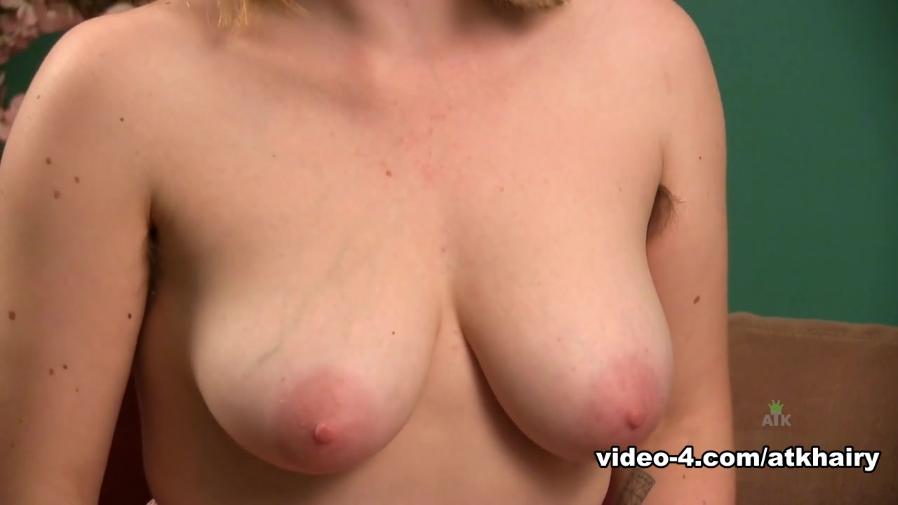 Hot Nude Milfs ready to fuck