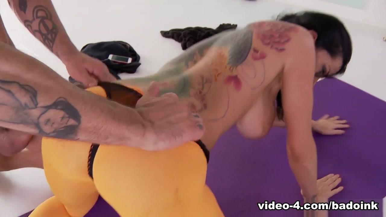 Milf playing pool Naked Porn tube
