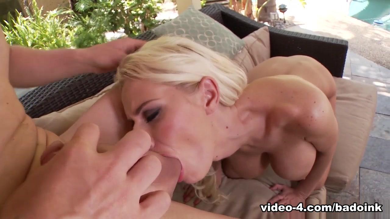 Hot xXx Pics Woman deep throat while getting pregnant
