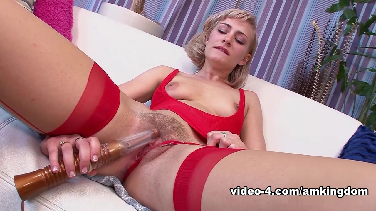 Naked Galleries Brooke hunter blowjob