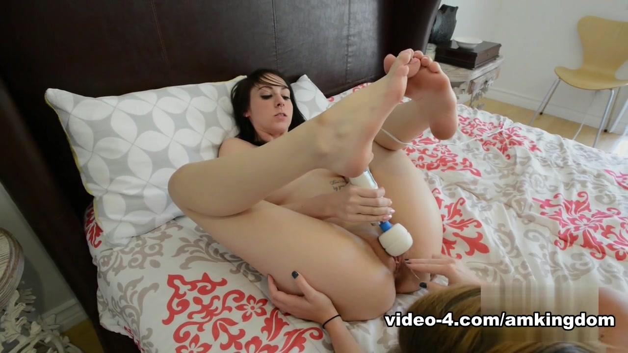Pornos orgasm lesbias Brunettes