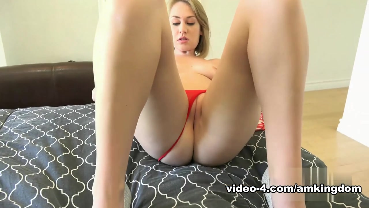 Naked xXx Amature in action nude