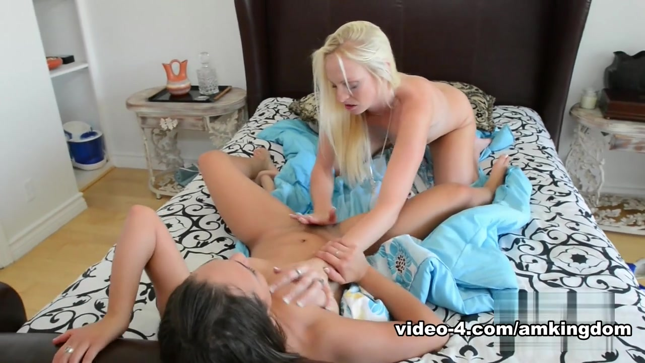 Sexy xxx video Insertion Play