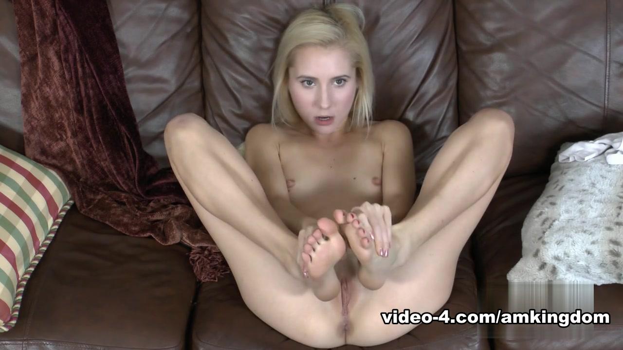 xXx Videos Hot spanish girl stripping
