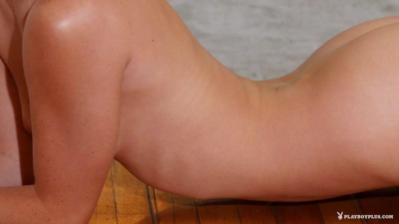 xXx Pics Sweaty women nude pics