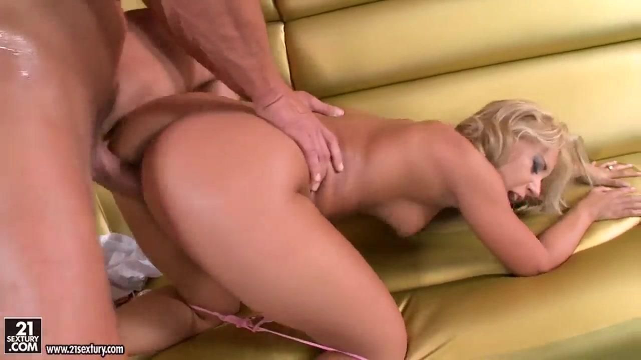 Porn FuckBook Evie Olson Gets Her Snatch Rammed