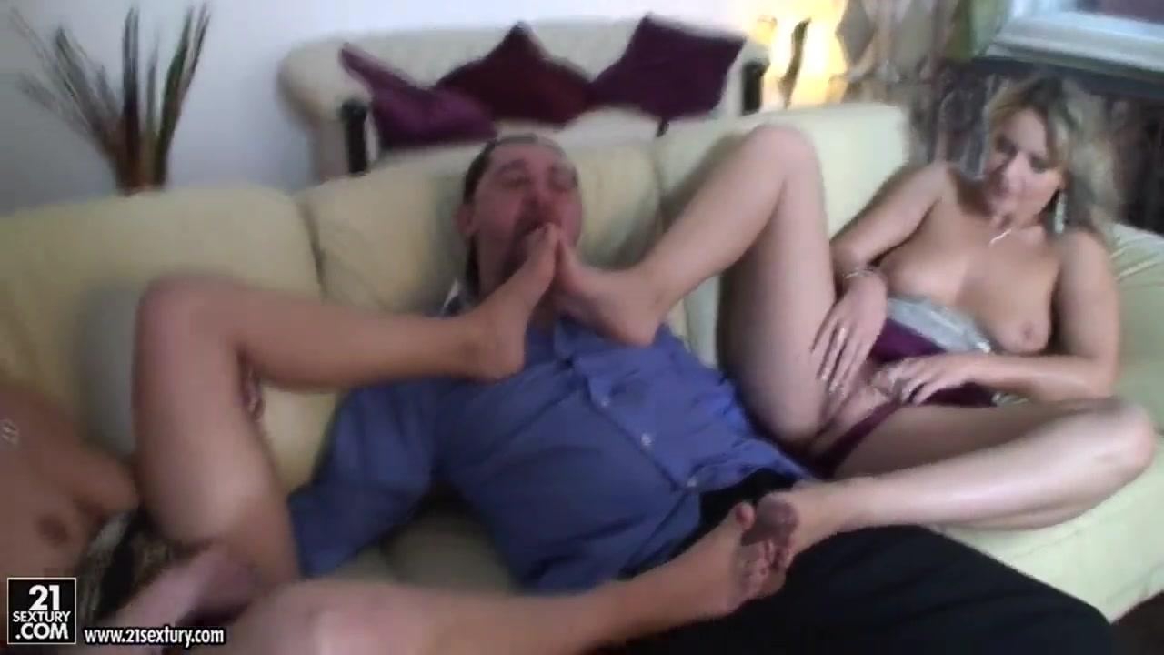 Horny Fingering masturbatian lesbias