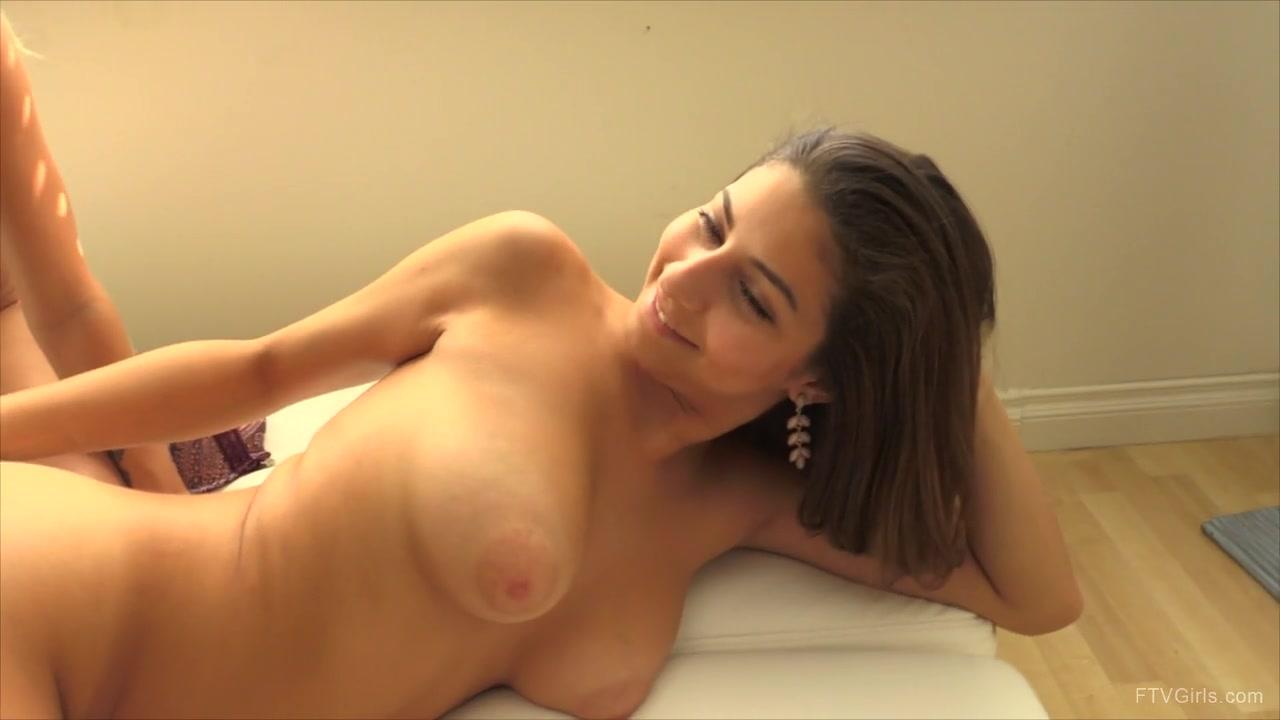 Brune jolie femme